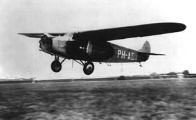 Short impression of the arrival of a Fokker F.VII with mail at Schiphol Airport in 1927