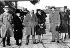 1929, Anthony Fokker arrives at Schiphol airport accompanied by his wife