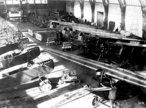 Fokker factory in Amsterdam, 1921. On the right the F.III is assembled, left the production of the C.II