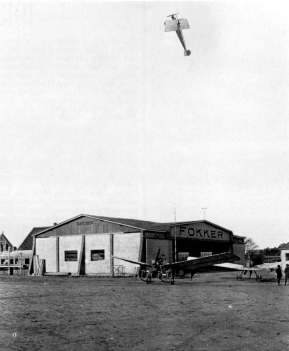 Fokker factory in Johannistal. Anthony Fokker flying his looping (very near the ground!) in a M.1