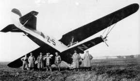 Emergencylanding of the Z-5, a Fokker C.5c of the Marine Luchtvaart Dienst