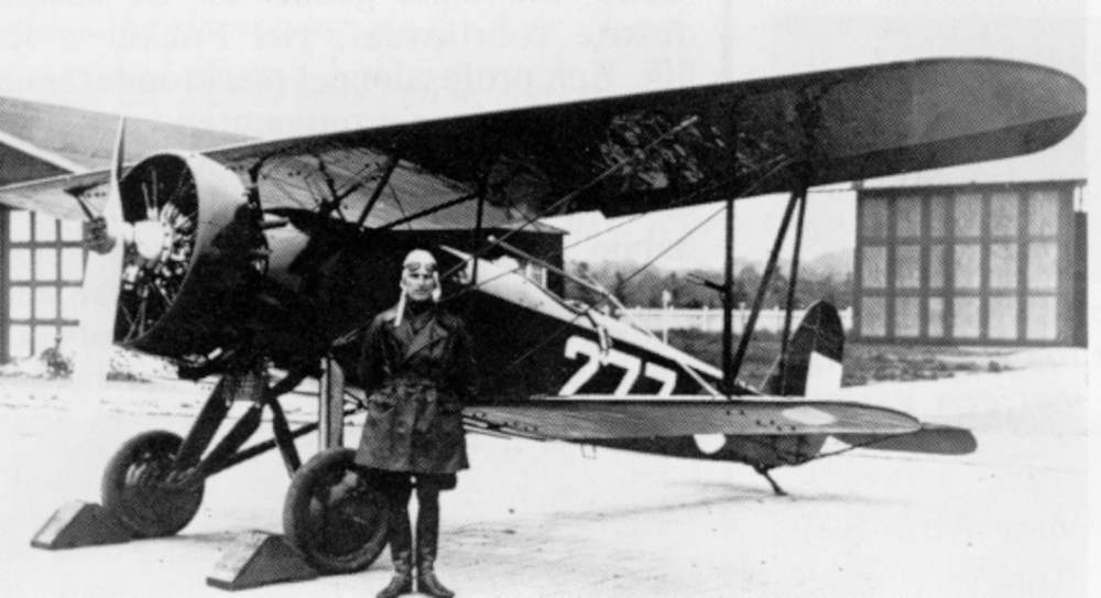 Jhr. mr. G. Sandberg in front of a D.16 of the Royal Dutch Airforce L.V.A., july 31 1932