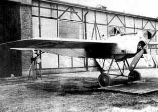 Fokker E.1. at the factory