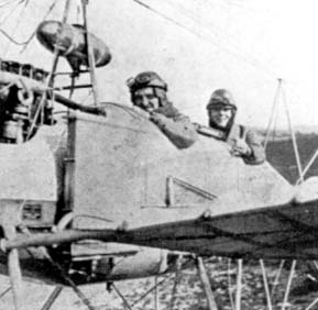 Bernard de Waal and Kuntner in a Fokker M.1., the military version of the Spider 1