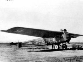 Obviously it was not a secret, the recordflights from the aircrafts of the US Airforce, just have a look on the paintings on the side of this Fokker T2 (F.IV)